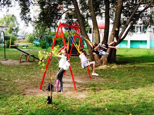 Ваш ребенок на детской площадке