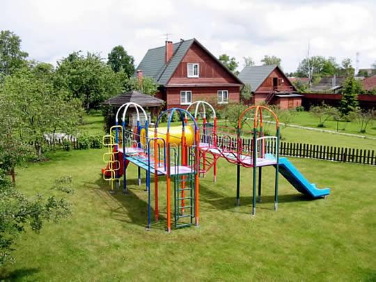 Детские площадки: строительство в садовых товариществах