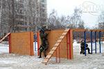Бойцы отряда «Пересвет» преодолевают «Забор с наклонной доской» превью
