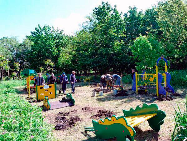Монтаж детской площадки