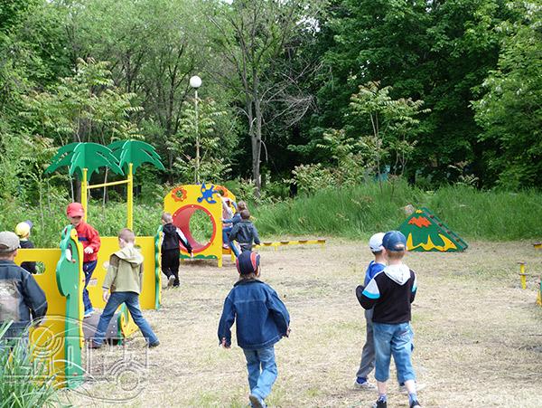 Дети на игровой площадке, г.Первомайск