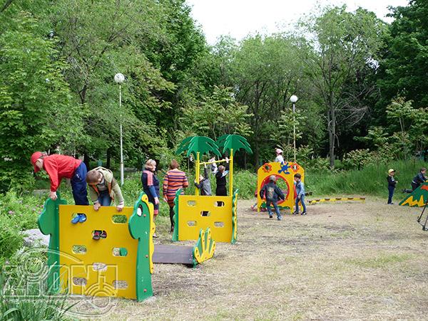 Дети на полосе препятствий, Первомайск