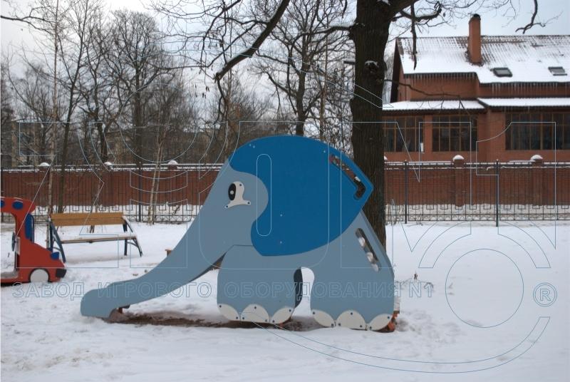 Горка детская «Слоненок» на площадке в Лианозово