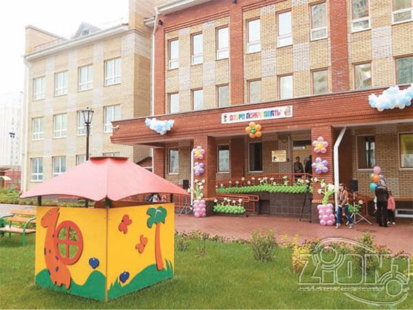 Фото здания ДОУ «Кузнечик» со стороны детской площадки
