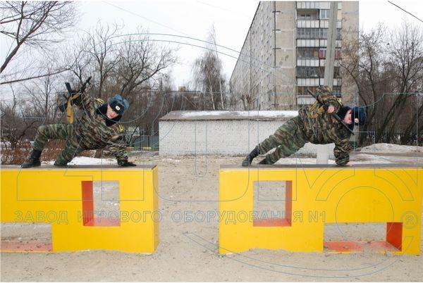 Препятствие «Окоп...» — преодоление прыжком